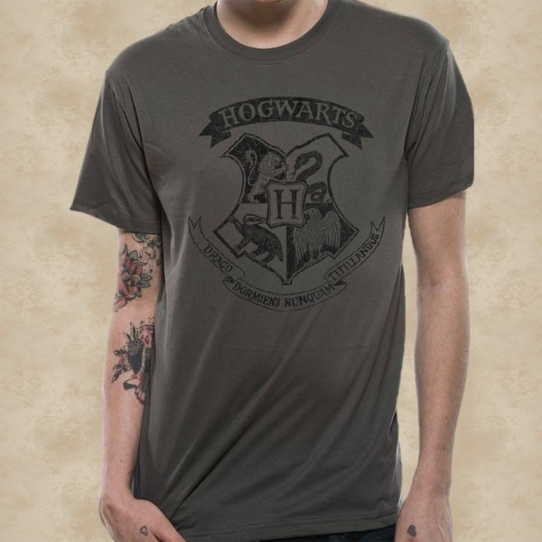 Hogwarts T-Shirt Distressed - Harry Potter